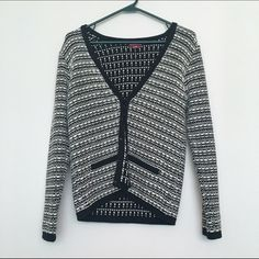 Cardigan Black and white cardigan with clasp closures. Only flaw is a small snag above the right pocket. ❌NO TRADES❌please use OFFER button for negotiations Merona Sweaters Cardigans