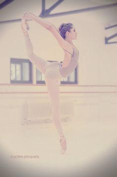 Grunge blog (New url)http://acid-ness.tumblr.com/ more ballet pics herehttp://ballerina-dreamer.tumblr.com/