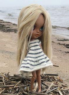 Knitted Dolls, Knitted Hats, Color Blocking Outfits, Gothic Dolls, Digital Art Girl, Custom Dolls, S Girls, Handmade Toys, Blythe Dolls