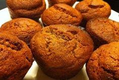 Benodigdheden (voor 12 muffins): 60 gr. kokosmeel 1 flinke el. kaneel poeder 1 flinke tl. bakpoeder snufje zout 120 gr. agavesiroop (of een andere zoetstof met dezelfde zoetkracht) 1 el. vanille ex…