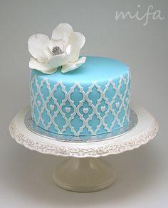 Blue Cake with Magnolia - by mifa @ CakesDecor.com - cake decorating website