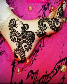 Arabic Mehendi Designs for Foot, Bridal Mehendi Designs 2012. Originally pinned by Carolyn Nicholson