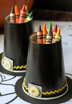 Thanksgiving Activities to Make the Kids' Table More Fun Kids will enjoy these pilgrim hat crayon cups to get creative on Thanksgiving.Kids will enjoy these pilgrim hat crayon cups to get creative on Thanksgiving. Thanksgiving Activities For Kids, Hosting Thanksgiving, Thanksgiving Crafts For Kids, Thanksgiving Parties, Thanksgiving Table, Thanksgiving Centerpieces, Fall Table, Holiday Tables, Thanksgiving Pictures