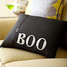 halloween+throw+pillows | Halloween Greeting Throw Pillow | Halloween