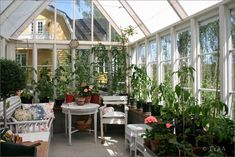 Awesome 38 Cozy Greenhouse Indoor Plant Design Ideas. More at https://homenimalist.com/2018/02/15/38-cozy-greenhouse-indoor-plant-design-ideas/