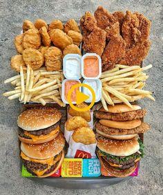 Et un coca light – Food – Alpi – Abendessen Think Food, I Love Food, Sleepover Food, Junk Food Snacks, Fast Food Desserts, Healthy Junk Food, Dessert Food, Food Platters, Food Goals