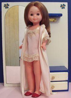 Nancys 2 - Itzi Oyanarte - Álbumes web de Picasa Vestidos Nancy, American Girl, Nancy Doll, Wellie Wishers Dolls, Kool Kids, Little Doll, Madame Alexander, Diy Doll, Cute Dolls