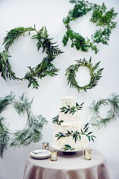 DIY Blätterreifen mit Farn via brides.com