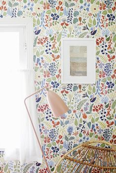Reminds me of the wallpaper from Willie Wonka and the Chocolate Factory! Vestibule wallpaper ideas - Boråstapeter Scandinavian Designers collection of floral wallpaper William Morris Wallpaper, Morris Wallpapers, Fabric Wallpaper, Flower Wallpaper, Pattern Wallpaper, Wallpaper Ideas, Amazing Wallpaper, Unusual Wallpaper, Happy Wallpaper