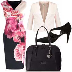 Volenti o nolenti è ora di rientrare in ufficio. Outfit pensato per essere impeccabili il primo giorno di lavoro: tubino floreale per non dimenticarci dell'estate, giacchetta leggera rosa, scarpa non troppo alta e comoda, borsa nera abbinata.