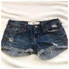 "HOLLISTER Cali  jean shorts 100%cotton. Waist 25"" L31 Hollister Shorts Jean Shorts"