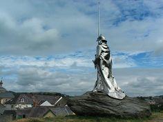 Llywelyn ap Gruffydd Statue overlooking Llandovery, Wales