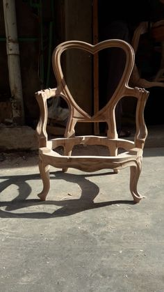 Antique Chairs, Antique Furniture, Sofa Frame, Wooden Art, Furniture Upholstery, Wood Carving, Chair Design, Dining Chairs, Woodworking
