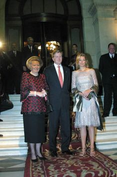 Crown Princess Máxima Picture Thread, Part 1 (April 2004 - April - Page 6 - The Royal Forums Church Pictures, Holiday Pictures, Great Pictures, Wonderful Picture, Queen Maxima, Princesses, Netherlands, Dutch, Crown