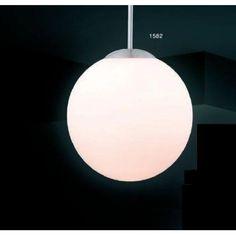 Fassung / Leuchtmittel: 1 x E27 60 Watt 230 Volt (exklusive Leuchtmittel)Material / Farbe: Metall, nickel mattGlass / Schirm: opal satiniertDurchmesser : 30 cmHöhe: 180 cm