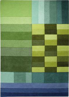 Die geometrische Aufteilung des Teppichs in warme und kalte Grüntöne macht diesen Teppich zum Trendsetter! Die geschickten Hell-Gunkel Schattierungen der einzelnen Farbflächen ziehen dabei den Blick des Betrachters magisch an!