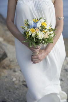 Bohemian wedding in Santorini|wedding bouquet