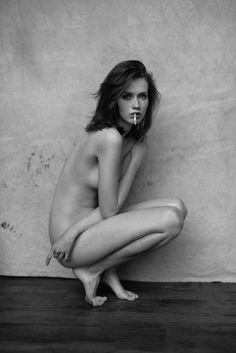 Hanna Koczewska by Lukasz Pecak HQ Photo Shoot Women Smoking, Girl Smoking, Female Reference, Provocateur, Nude Photography, Looks Cool, Human Body, Female Bodies, Beauty Women