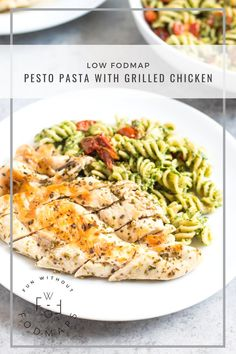 Low FODMAP Pesto Pasta with Grilled Chicken and Roasted Tomatoes - With sweet cherry tomatoes, oregano chicken and dairy-free pesto, this Low FODMAP Pesto Pasta with Grilled Chicken is a meal-in-one you won't want to miss! Fodmap Recipes, Healthy Recipes, Fodmap Foods, Healthy Food, Healthy Eating, Healthy Meals, Free Recipes, Vegetarian Recipes, Dairy Free Pesto