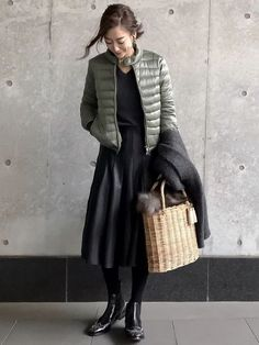 Pin by 博美 三田 on ひろお好み in 2020 Skirt Fashion, Fashion Outfits, Womens Fashion, Fall Winter Outfits, Autumn Winter Fashion, Elegantes Outfit Frau, Tokyo Street Style, Japan Fashion, Fashion Over 50