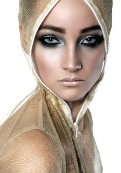 Wet smoke vogue makeup. Very Nice! I absolutely love the finish of wet make up!