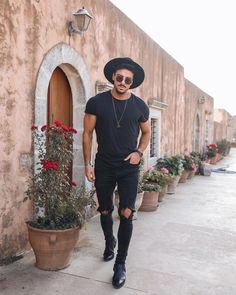 Black Stylish Outfits, Black Outfit Men, Street Style Outfits Men, Fedora Outfit, All Black Men, Winter Outfits Men, Outfits With Hats, Mens Clothing Styles, Men Fashion