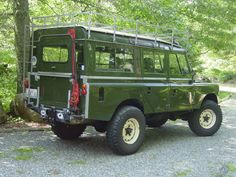 Land Rover 109 with Tropical Roof Trop