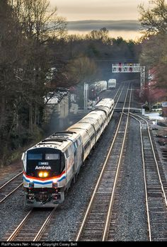 After meeting 290 at Mt. Airy, Amtrak 19 coming through Cornelia, GA with the 145 (Phase III) heritage unit leading the Crescent to Atlanta, GA, and then towards New Orleans, LA.