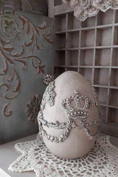 Ornamenten Paasei door ShabbyvintagesStudio op Etsy  Iod orchid designs molds