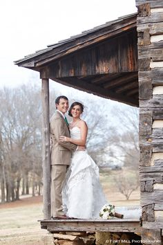 Winter Wedding at The Ann Springs Close Dairy Barn in Fort Mill, South Carolina. Image © Fort Mill Photography