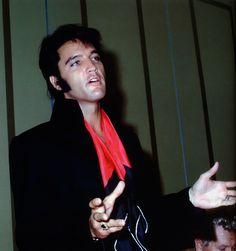 Elvis Presley - 1969 Press Conference Las Vegas