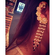 In love with our new floral gold ear cuff by Masayaa !