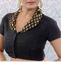 20 Latest Collar Saree Blouse Designs for 2020 - - Collar style neckline is not just seen in the shirts and tops, but even in saree blouse designs collar pattern is highly preferred. In fact, it makes your saree blouse pattern looks very Indo-Weste…. Lehenga Designs, Kurta Designs, Cotton Saree Blouse Designs, Fancy Blouse Designs, Blouse Neck Designs, Collar Designs, Blouse Patterns, Chiffon Saree, Mehandi Designs