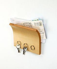 Magnetized Key Hanger | dotandbo.com