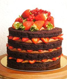 Naked Cake ( Bolo Pelado)   Sweet Coruja