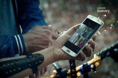 Samsung muestra un GalaxyS7 resistente al agua carga de forma inalámbrica   Sobre el Samsung Galaxy S7 hay mucha información recopilada también conocemos algunos detalles como el chipset Exynos a utilizar pero la cita para su presentación se aproxima y es la propia Samsung la que nos enseña más cosas sobre el esperado teléfono.  Ha sido la filial de Samsung en Indonesia la que ha enseñado en vídeo más de la cuenta se trata de un vídeo publicitario marcado con el #TheNextGalaxy y colgado en…