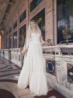 Rochii de mireasa Natalia Vasiliev-Toscana-Land of Love 2016