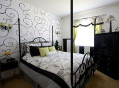 Bedroom+Design+with+Black+and+White+and+Blue | bedroom that decorated with black and white furniture. The bedroom ...