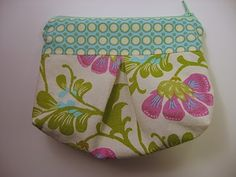 Pleated Pouch Sewing Tutorial