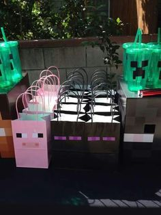 Irene R's Birthday / Minecraft - Photo Gallery at Catch My Party 9th Birthday Parties, Minecraft Birthday Party, Birthday Fun, Minecraft Party Bags, Birthday Ideas, Minecraft Crafts, Minecraft Ideas, Bolo Minecraft, Minecraft Skins