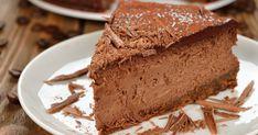 Tento lahodný cheesecake plný čokolády si zamilujete z dvoch jednoduchých dôvodov. Jeho príprava vám zaberie iba pár minút a zaručene vám neprihorí Cheesecake Leger, Cheesecake Day, No Bake Chocolate Cheesecake, Sugar Free Recipes, Sweet Recipes, Mousse Au Nutella, Cheesecakes, Chocolate Wafers, Chocolate Sponge