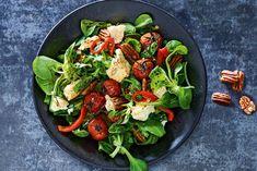 Kijk wat een lekker recept ik heb gevonden op Allerhande! Italiaanse salade met balsamicoazijn Food Court, Pizza Party, Kung Pao Chicken, Cobb Salad, Vegetarian Recipes, Steak, Salads, Paleo, Veggies