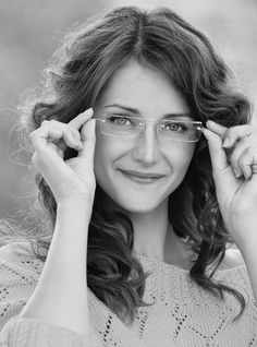 Vision Express India has a wide range of High End spectacle lenses under Monaco collection offering best visual clarity. The lenses also have the option of Photo Chromatic Lenses that are available in variations of brown and grey.http://www.visionexpress.in/monaco/slim.html