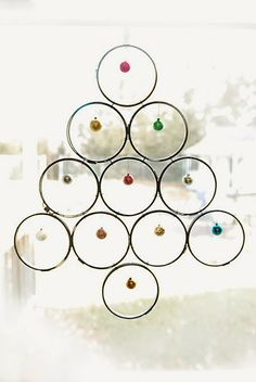 Jill Ruth & Co.: Repurposed Embroidery Hoop Christmas Tree