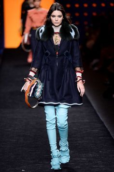 Kendall Jenner meilleurs looks de défilé Fashion Week Chanel Givenchy Balmain 42