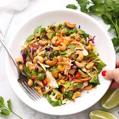 Thai Chopped Salad (Gluten Free & Paleo Friendly) Thai Chopped Salad – This fresh chopped salad is loaded with colorful, crunchy veggies, bright vi Thai Chicken Salad, Chicken Salad Recipes, Salad Recipes For Dinner, Healthy Salad Recipes, Kale Recipes, Avocado Recipes, Ensalada Thai, Low Carb Brasil, Sans Gluten