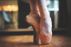 Learn how to enhance your foot arches for beautiful ballet feet. This guide provides clear descriptions that will allow you to improve your technique.