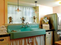 Love the vintage sink in this laundry room. It is fantabulous! Forget the laundry room. That sink should be in my kitchen White Laundry Rooms, Laundry Room Sink, Basement Laundry, Laundry Cabinets, Kitchen Retro, Retro Kitchens, Kitchen Ideas, Vintage Sink, Vintage Laundry