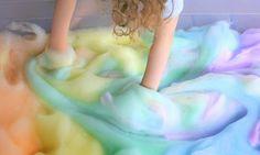 Rainbow Foam Play - Sensory activity - Find the recipe here http://www.funathomewithkids.com/2013/08/rainbow-soap-foam-bubbles-sensory-play.html