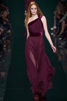 La robe vestale du défilé Elie Saab à Paris